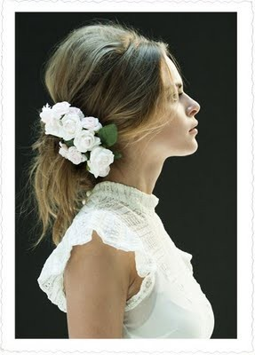 hairstyle: Hair Ideas, White Flowers, Hair Flowers, Wedding Hair, Messy Hair, Flowers Children, Hair Pieces, Bridal Hair, Bride