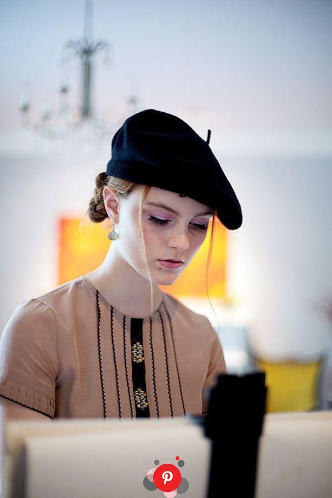 ベレー帽のかぶり方とコーデ 女性ヘアアレンジ海外画像特集 2020