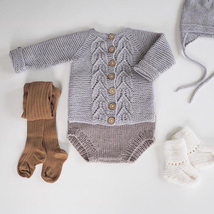 ~ #knittingclothes for a little boy ~ #bladrillejakke med tilbehør #condorstrømpebukse fra @vimse_nettbutikk passer perfekt til #babystrikk @knitsandpieces #picklesextrafinemerino