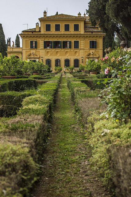 Villa Fidelia dal limoneto, Spello, Umbria, Italy