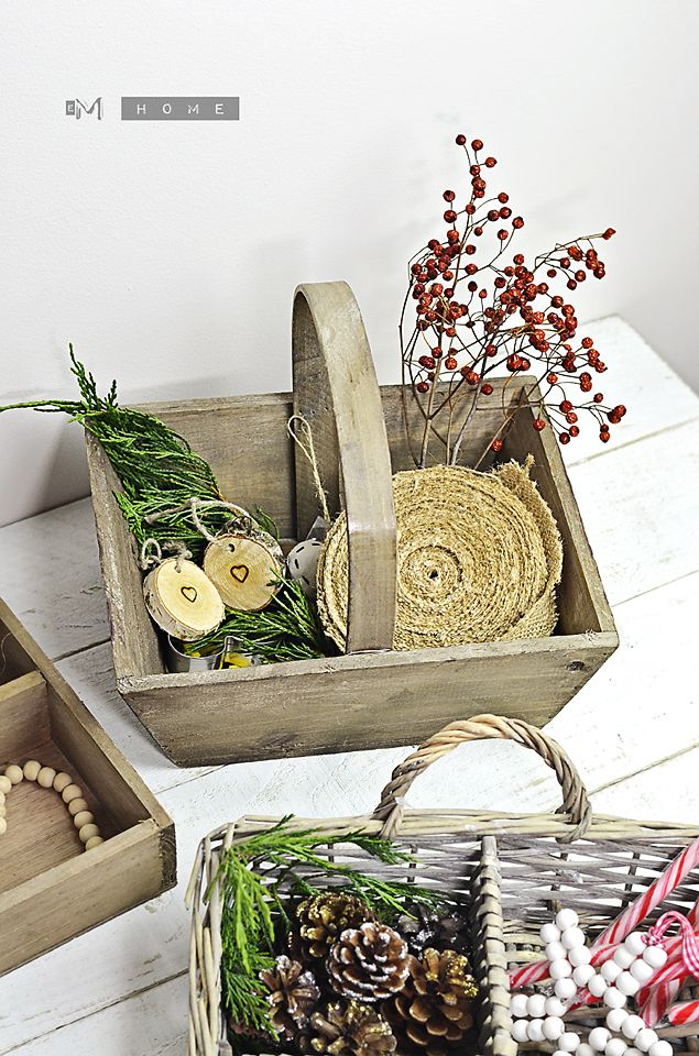 Ib Laursen Wooden Basket with handle. Perfect fro Christmas decorations. www.em-home.co.uk