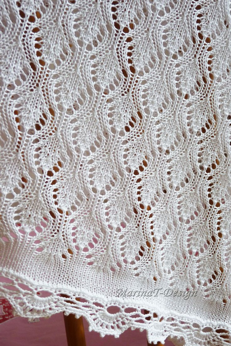 Leaf stitch   http://www.ravelry.com/projects/Masja76/baby-blanket-5 on ravelry.com