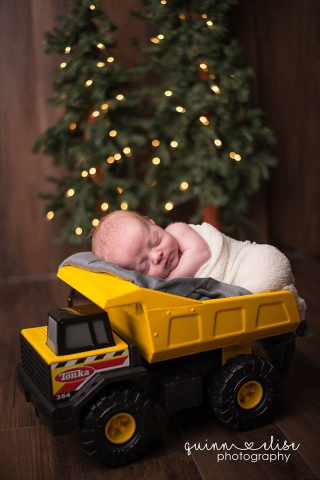 4d9fa8e4aeee8 Akron Ohio Newborn Photographer - Quinn Elise Photography - baby boy in toy  truck
