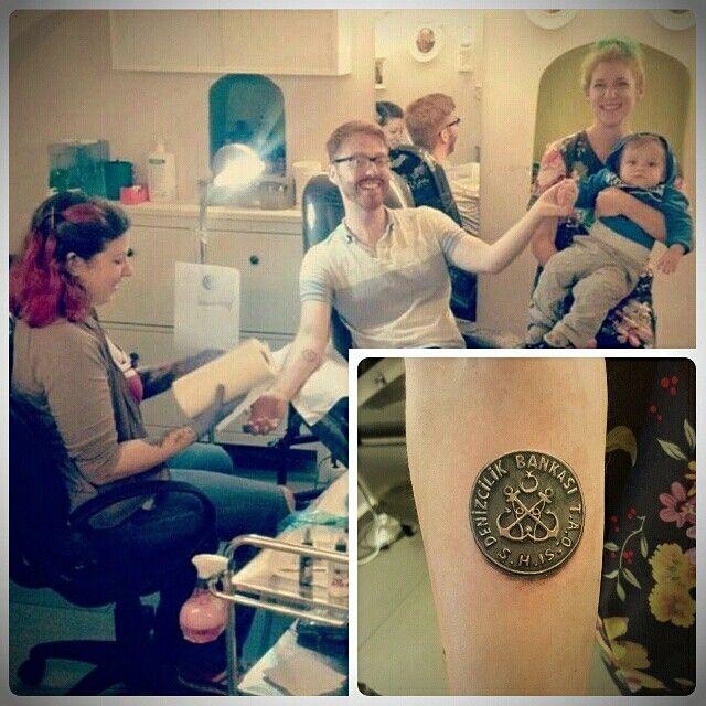 İlk görüste İstanbul'a aşık olan New York'lulara, nostaljik vapur jetonu dövmesi... #tattoo #kadikoy #eksi2tattoo #istanbultattoo #dovme #kadikoytattoo #ink #inked #armtattoo #dövme #besttattoo #tatted #tattoos #originaltattoo #follow4follow #f4f #followus #instatattoo #jeton #newyorkers #souvenirtattoo #illustrationtattoo #tokkentattoo #kadıköy #tattoostudio #bodyart #bodytattoo #realistictattoo #cooltattoo #vapurjetonu