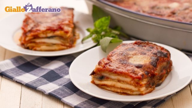 Parmigiana di melanzane = Eggplant Parmesan - this is the recipe I used at Ethan's birthday party. I think you can get it in English, too. :)