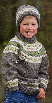 Пуловер спицами с орнаментом и шапка