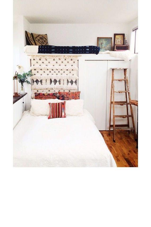 une chambre avec une mezzanine pinterest deco inspiration. Black Bedroom Furniture Sets. Home Design Ideas