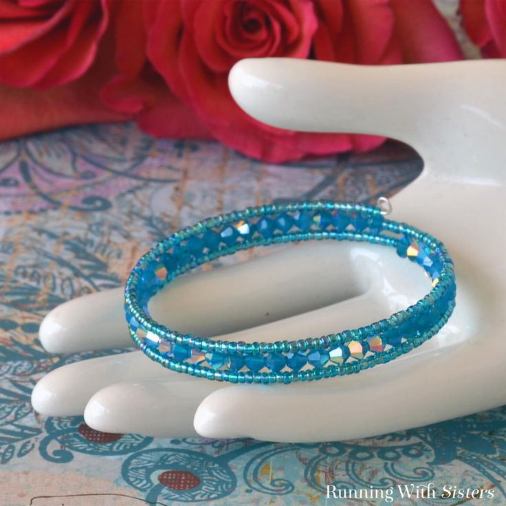 Today's #WireworkWednesday uses memory wire. Try out this super easy Carribbean Blue Memory Wire Bracelet!