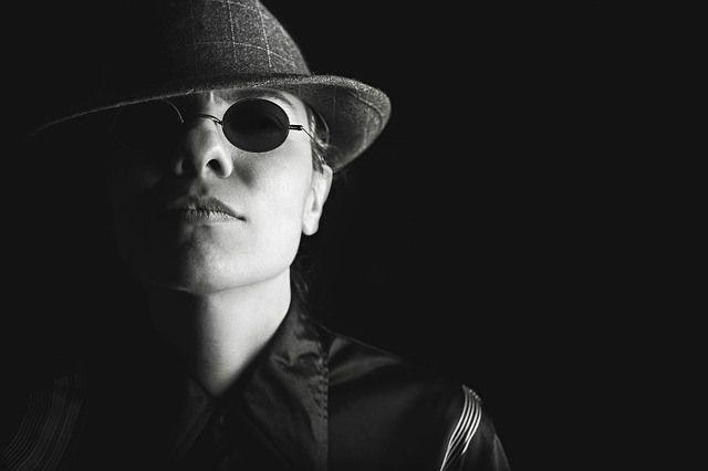 En el rostro se puede leer la tendencia criminal de las personas  Aunque las apariencias engañan, la psicomorfología despeja los interrogantes que pueden aparecer en los rostros de las personas al conseguir desvelar en sus rasgos algunas claves de su personalidad y la tendencia a llevar a cabo -o no- acciones criminales. Haz clic en este imagen para leer mas
