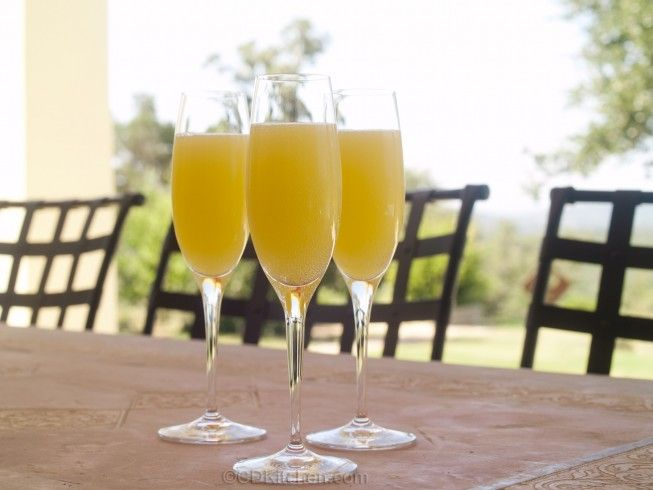 Non-Alcoholic Mimosas - CDKitchen.com -  Skip the fake Champagne, ginger ale is the key ingredient that makes these alcohol-free mimosas taste like the real deal.