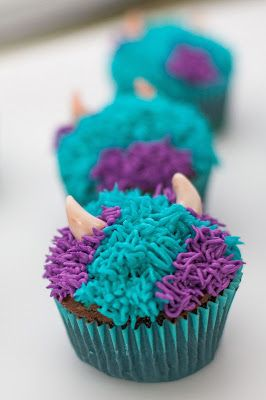 Sulley Monster's Inc Cupcake. WIlton 233