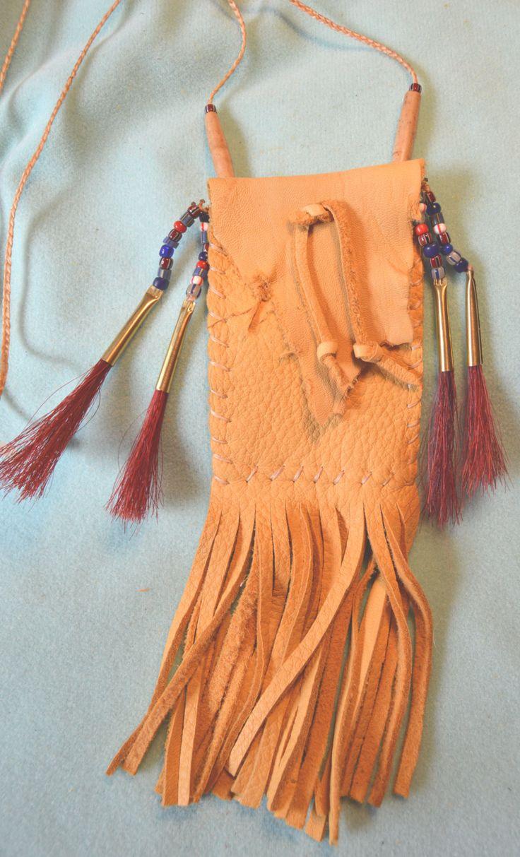 Medicine Bag Fringed, Vintage Trade Beads, Red Horsehair, Powwow Regalia mb20 by Southwest Dreaming door SouthwestDreaming op Etsy https://www.etsy.com/nl/listing/207804951/medicine-bag-fringed-vintage-trade-beads