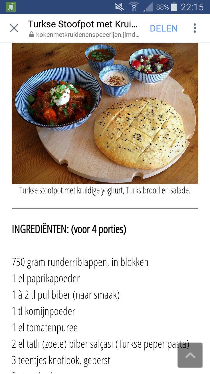 Turkse stoofpot met aubergine en kruidige yoghurt van Jay Bee