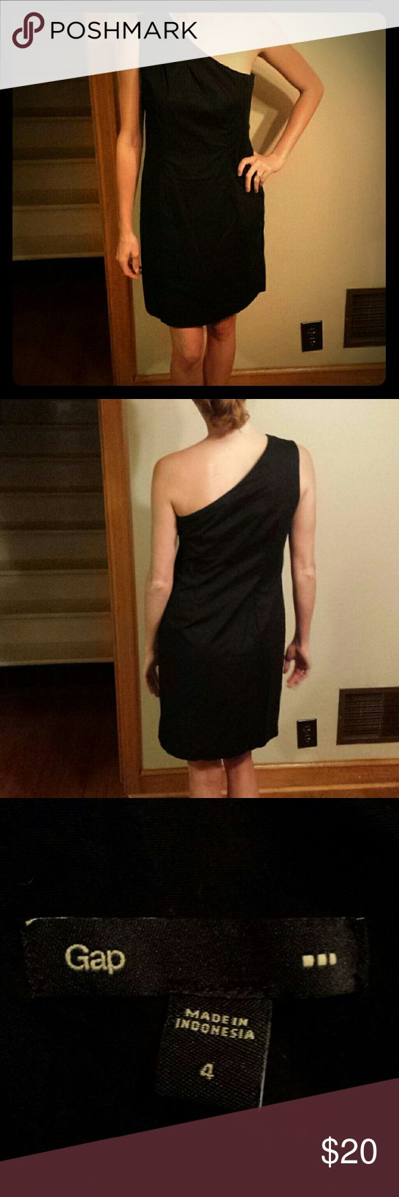 Little black one shoulder dress Little black one shoulder dress. Has a zipper up the side. Selling because I lost weight since I bought it and now it's too big. GAP Dresses Midi