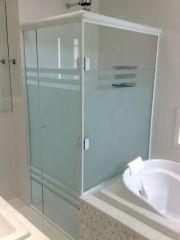 Os Vidro Jateado éperfeito acabamentos em portas, sancas, separar ambientescriando privacidade, ou simplesmente adicionando beleza. São indicados, também, par(...)