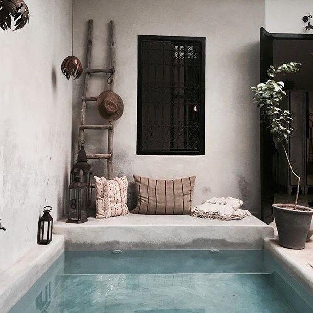 Riad La Maison The House✨ by @nicxxxdesign #riad #lamaisonthehouse #pool #natural #lantern #cushion #marrakech #morocco #lovemorocco #mydearmorocco @bodieandfou ✨▫️✨