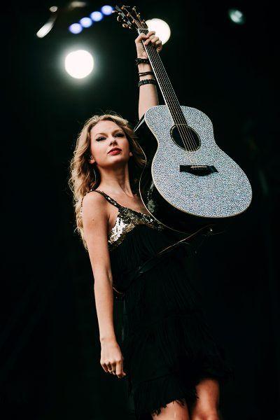 Taylor Swift | Weston Park V Festival | Concert Photography | Bands Live | Steve Gerrard Photography | Music Photography | Concert photos