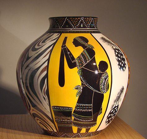 Handpainted ceramic pot from Zimbabwe – livingstoneart.be ...