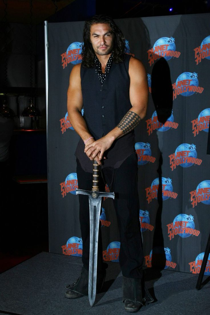 "thirat-atthiraride: ""    Jason Momoa Brings Conan the Barbarian's Sword to NY Comic Con Huffington Post 10/14/2011    Conan The Barbarian will be among the many personalities attending this weekend's..."