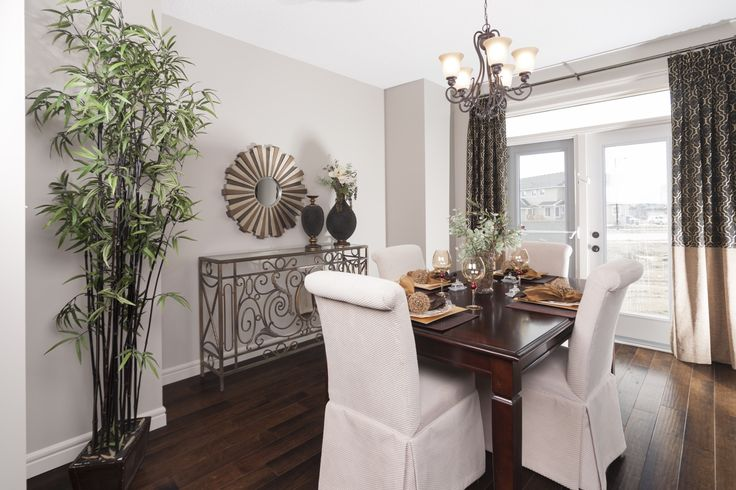 The double doors off the dining room allow you to open up the space to the outside, perfect for summer entertaining.