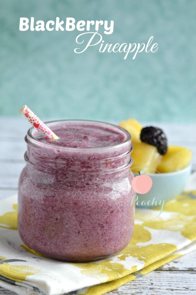 blackberry pineapple smoothie from:itspeachykeen.com
