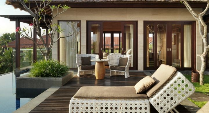 Your own 40 square meters private pool and garden at Conrad Penthouse Suite