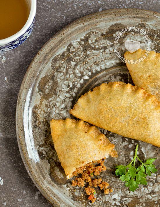 Empanaditas de Yuca or Catibias (Cassava Pasties): This delicious, gluten-free empanadas are made with cassava flour, and has a surprising crunchiness.