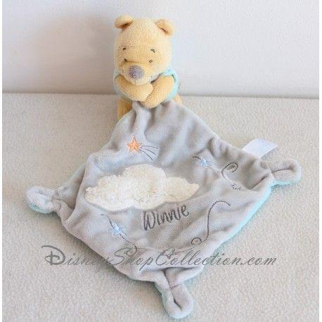 https://disneyshopcollection.com/fr/winnie-l-ourson/396-doudou-winnie-l-ourson-nicotoy-nuage-blanc-mouchoir-gris-disney.html