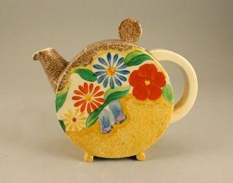 Clarice Cliff, Bizarre, Canterbury Bell pattern, teapot - Ceramics & Glass…