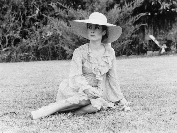 Catherine Deneuve on the set of La Sirène du Mississipi