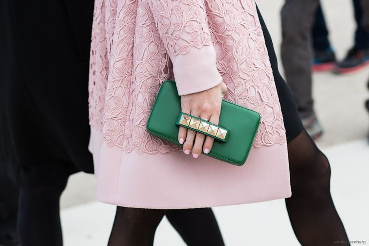 Street deets. Clutch me now with a fabulous topper. Contrast.