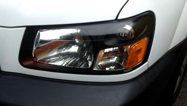 how to clean car headlights with toothpaste