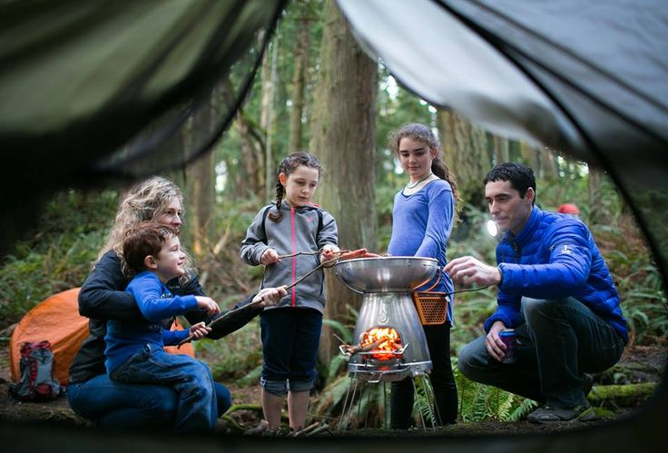 Camp Stove Turning Fire Into Electric and Charging Your Devices by Fire - BioLite
