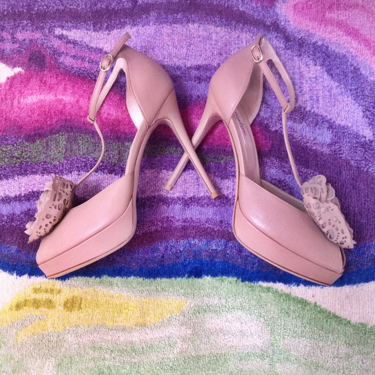 Valentino rose-beige heeled sandals with T-bar.