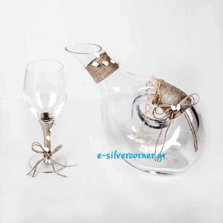 Όμορφο και πρωτότυπο σετ γάμου 2 τμχ, κρυστάλλινο ,διακοσμημένο με λινάτσα, δίχτυ και θαλασσινά κοχύλια.