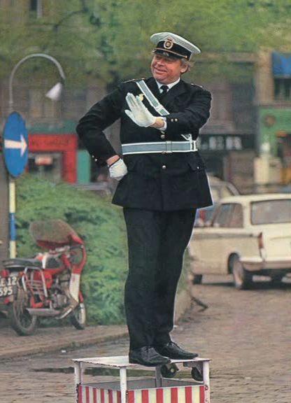 som politimanden Peter Jensen, i Sjov i gaden fra 1969.