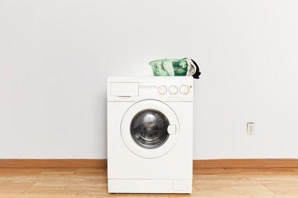 スニーカーを洗濯機で洗う