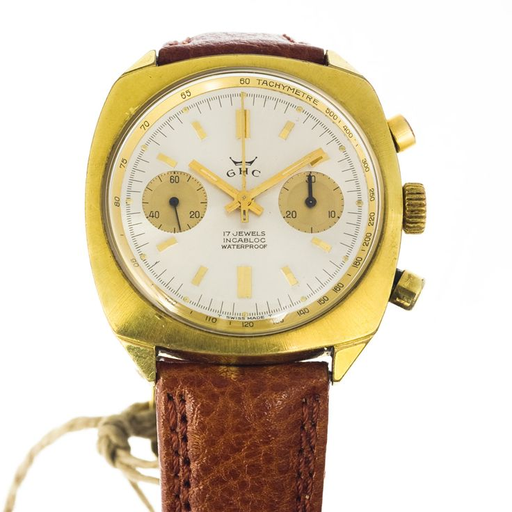 Stop for a second and check the dial again - It's not often that you meet an old chrono watch in mint condition
