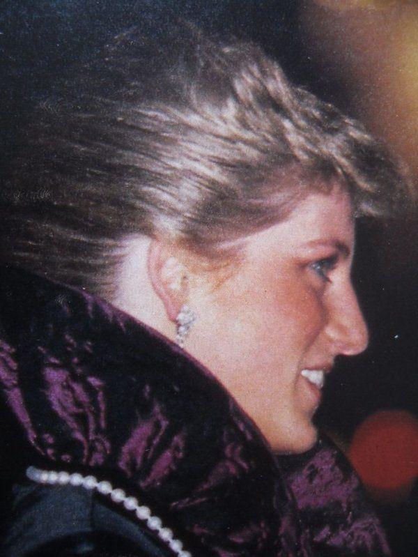 Princess Diana -  Garrard The Jewellers London , le 27 octobre 1987 _ Suite
