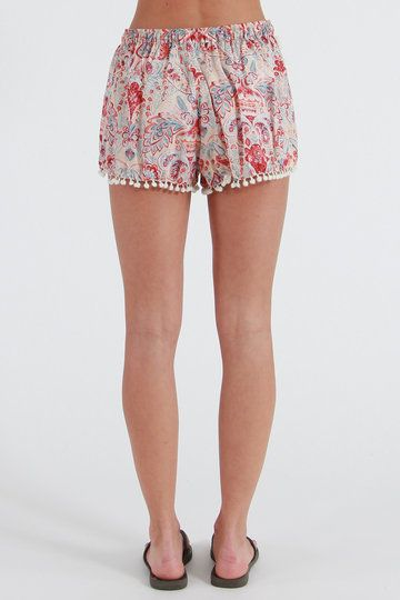 Festival trend alert! Make like a cheerleader and get out your pom poms - the Anja Nights Shorts from Billabong are covered in miniature ones. Perfect for all the awesome NZ festies coming up, pair up with a white tank and gum boots. Hang about, this ain't a wet and windy Glasto - rock out the jandals, summer lovers!