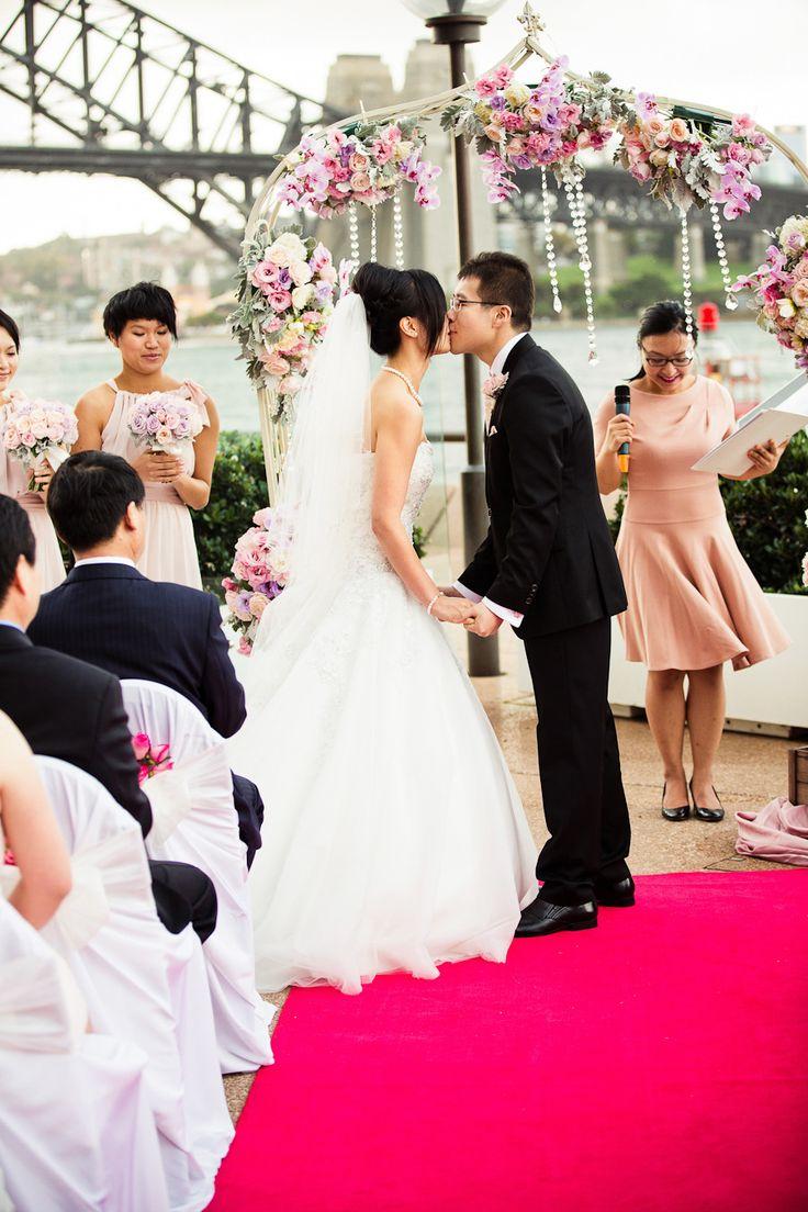 Photography: gm photographics - www.gmphotographics.com.au  Read More: http://stylemepretty.com/2013/10/03/sydney-opera-house-wedding-from-gm-photographics/