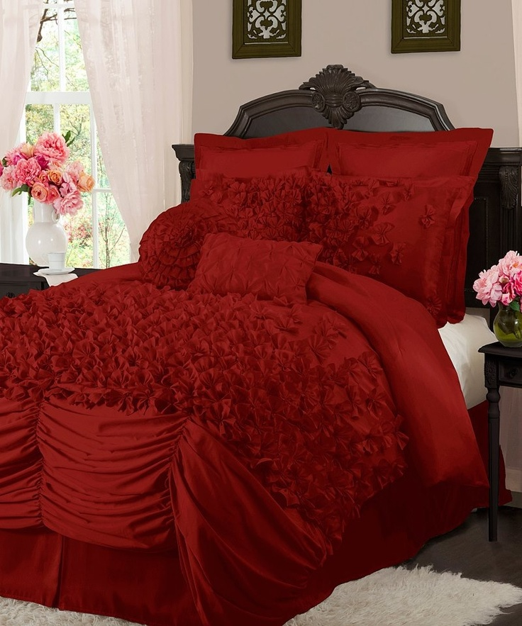 Red bedding set...shabby red