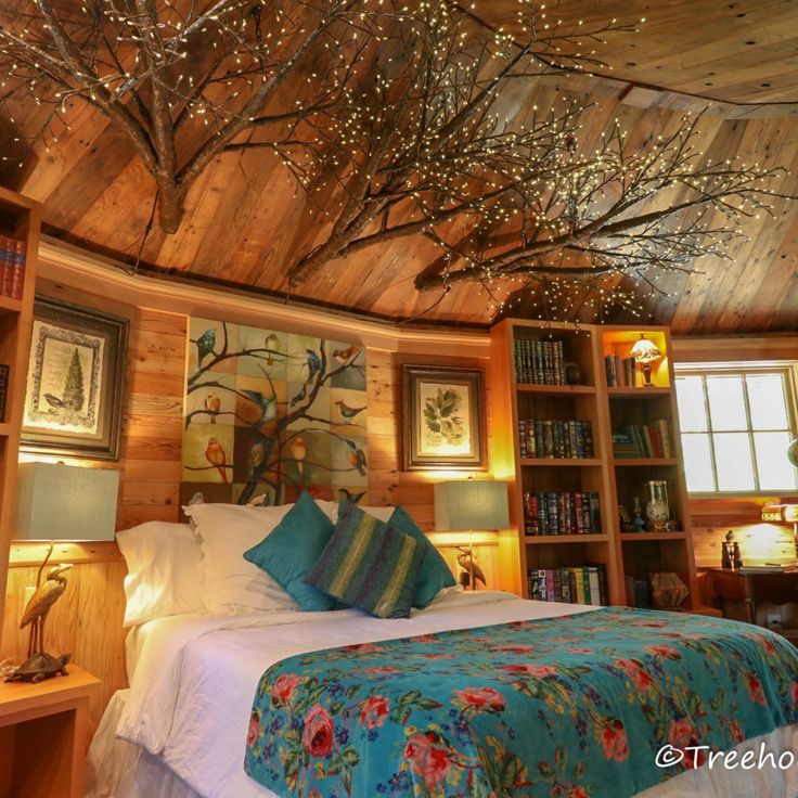 Biblioteque Treehouse Utopia. Luxery treehouses in