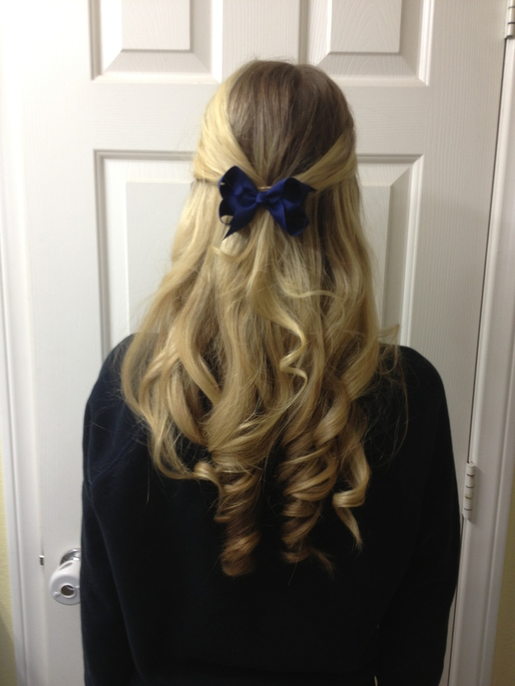 Half Up Half Down Curled Hair With A Bow Short Hair