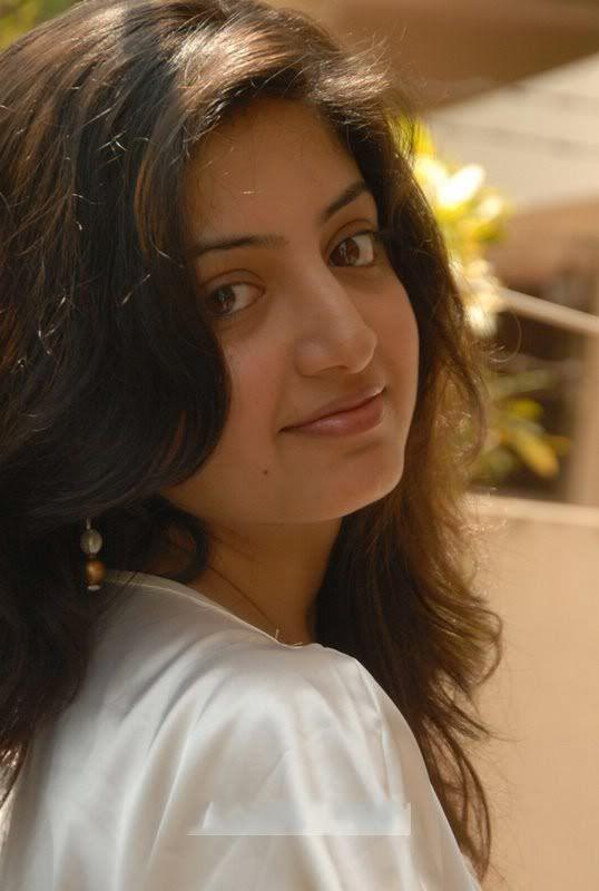 Profile of Actress Poonam Kaur - Tamil Movie Data Base of