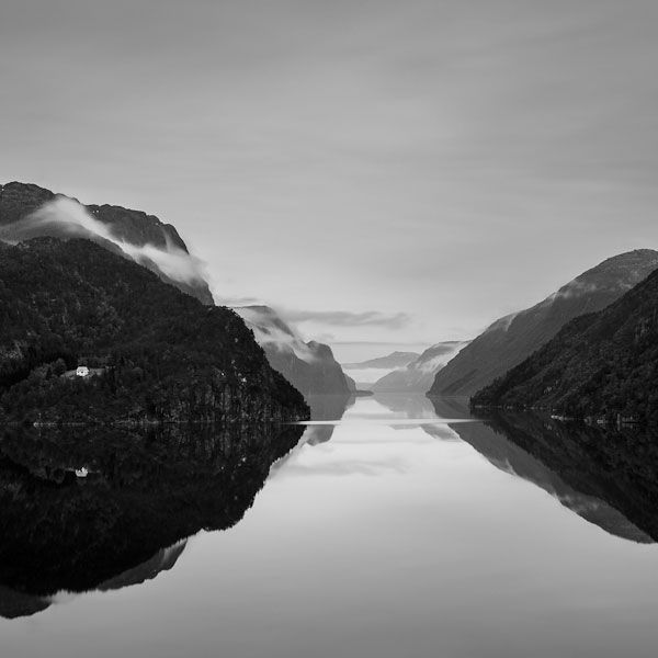 Западное побережье Норвегии. Черно-белые пейзажи от Eirik Holmøyvik