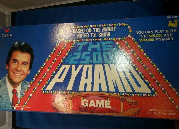 1000 pyramid board game