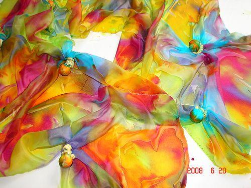 Cores Vivas - Vivid Colors - Tie-dye  / Pintura em Seda - Silk Painting by Atelier Mônica de Godoi, via Flickr                                                                                                                                                      Mais