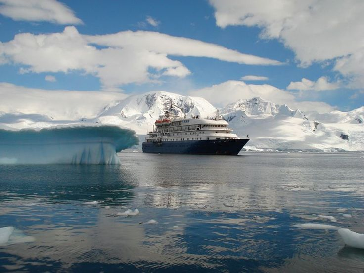 Discover Antarctica in just 6 Days on the Express Program with the Hebridean Sky. Save US$700 off last minute spots.  Check out our last minute offers for this coming 2017/2018 season at http://ift.tt/2fYV8Na or click on the link in bio.