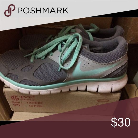 Women's Nike flex 2012 RN Brand new comes with box size 8.5 Nike Shoes Athletic Shoes